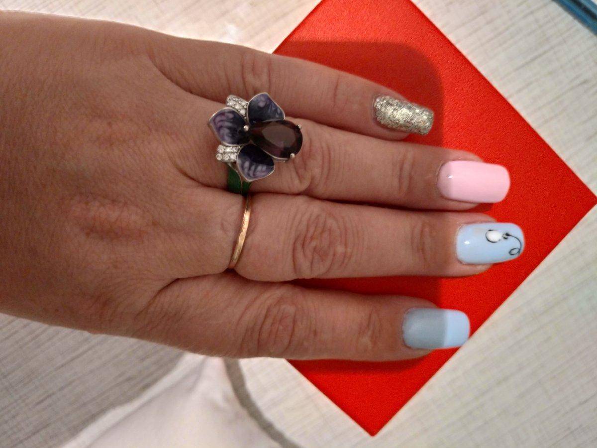 Купила кольцо в магазине, соответствует всем требованиям. Кольцо красивое