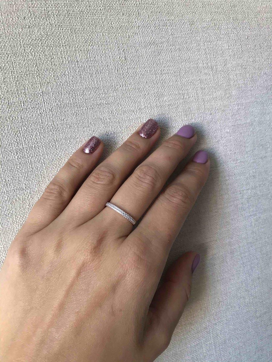 Кольцо золотое с фианитами