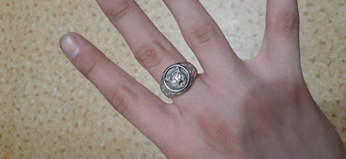 Купил серебрянное кольцо сыну.