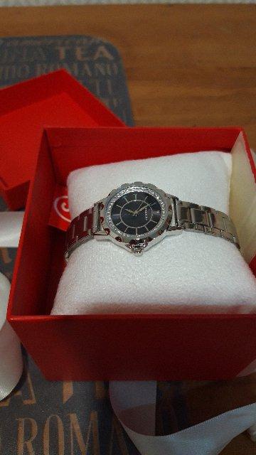 Часы на металлическом браслете