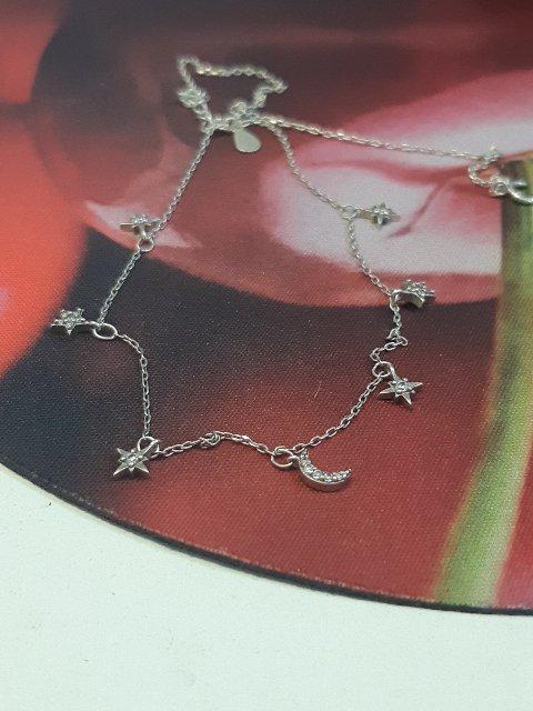Серебряное украшение на шею с фианитами