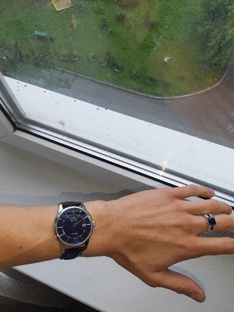 Просто, со вкусом, элегантно, хорошие мужские часы!