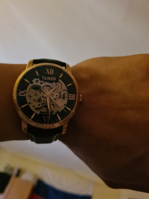 Часы хорошие мне  очень понравились  качественные  ремешок,