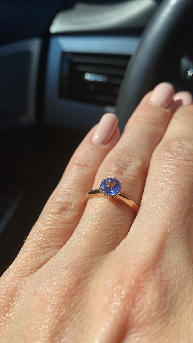 Прекрасное кольцо и камень!