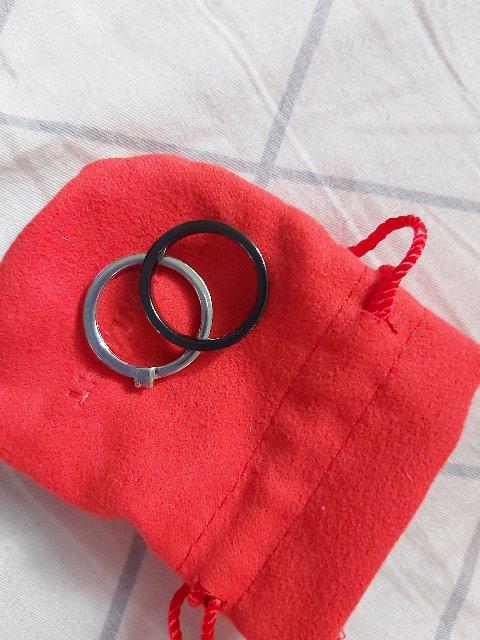 Керамическое кольцо ,двойное ,отдельно серебрянное колечко , с фианитами ,.