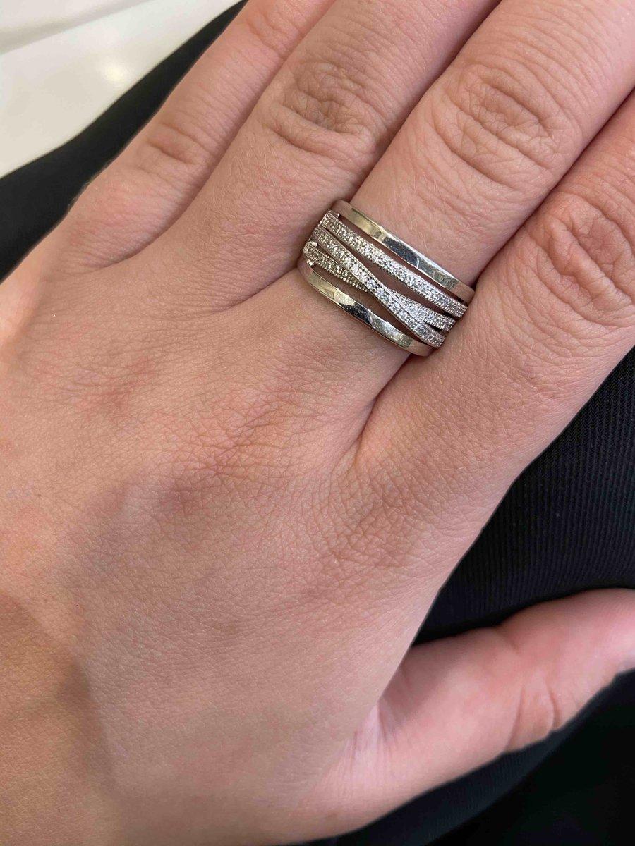 Серебряннте кольцо с фианитами