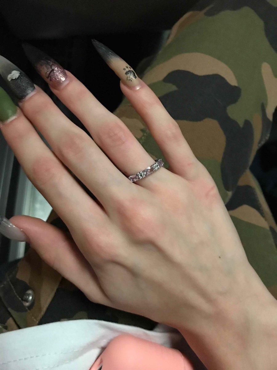 Девушка-консультант показала мне это кольцо, и я поняла, что выбор очевиден