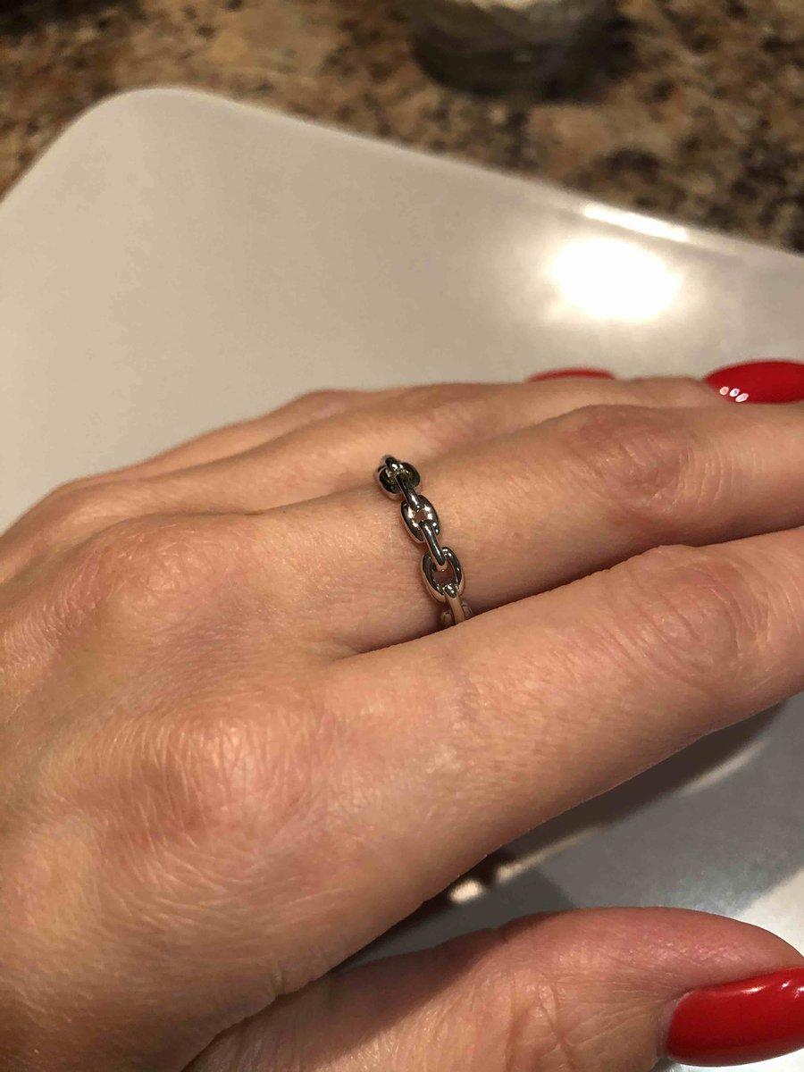 Очень милая цепь на палец