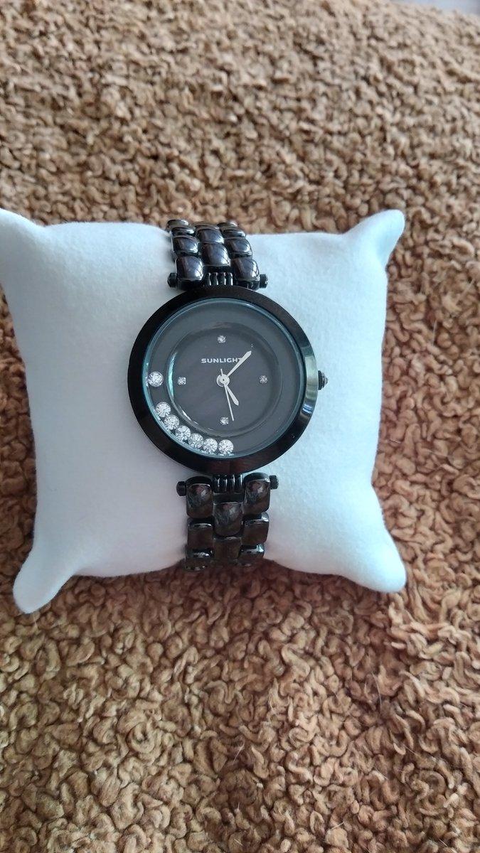 Часы с керамическим ремешком