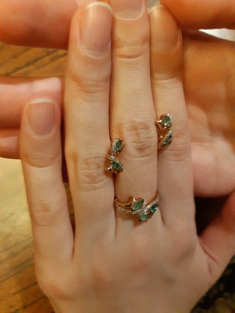 Золотое кольцо с изумрудами