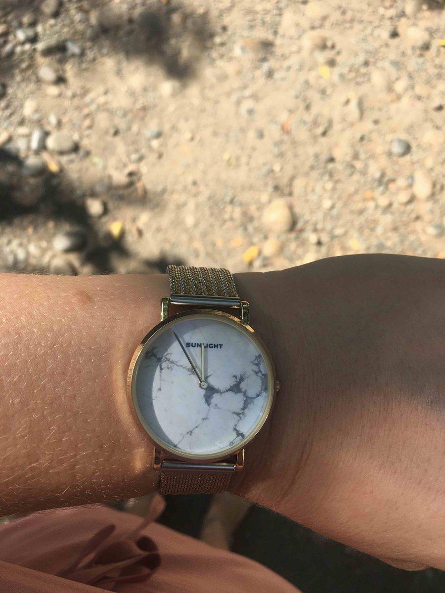 Часы суперские, смотрятся стильно, дорого.
