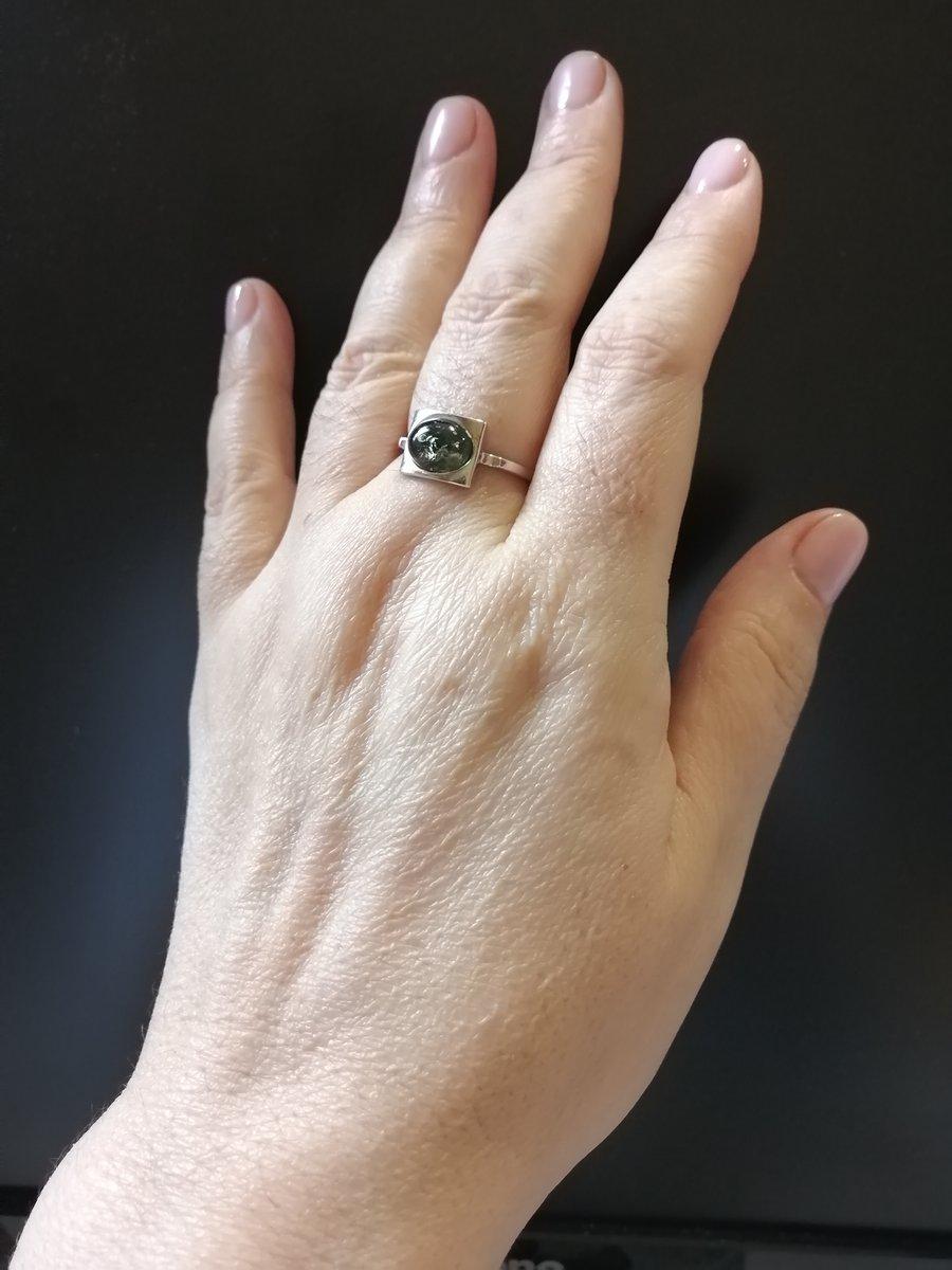 Наконец у меня появилось кольцо с янтарём!))