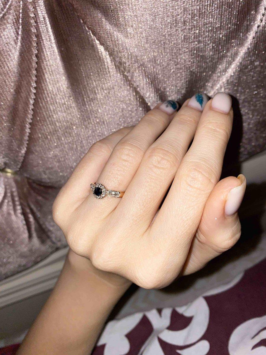 Золотое кольцо с сапфирамм и бриллиантами