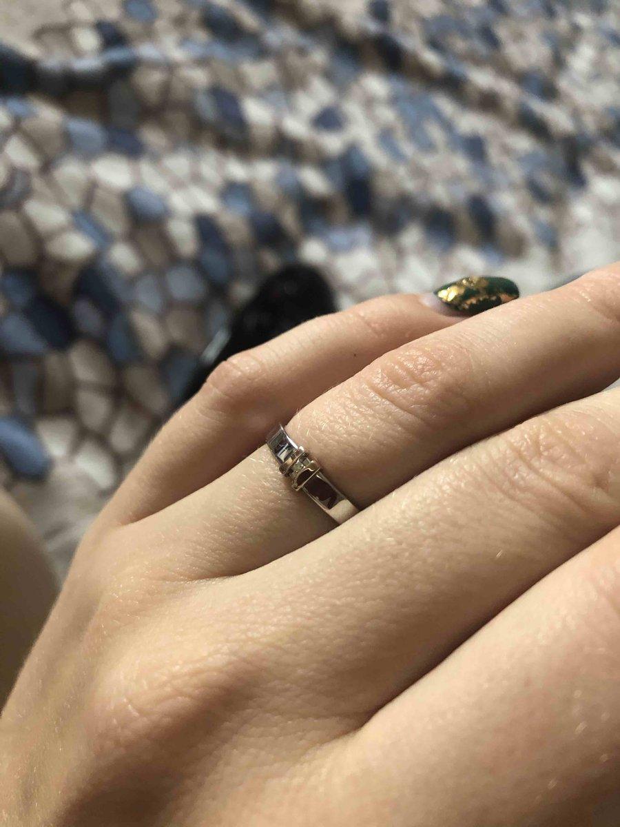 Серьги заказывала в комплекте с кольцом