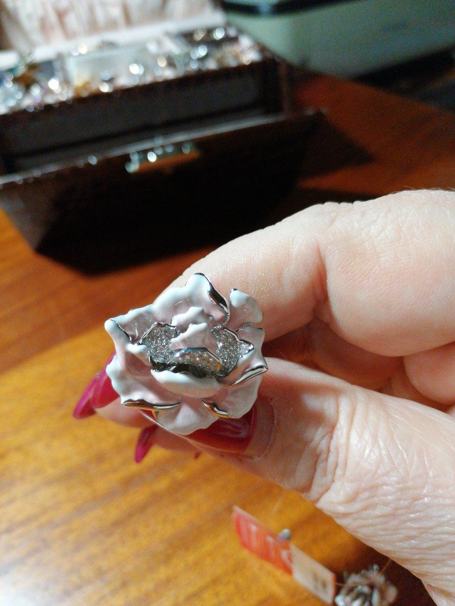 Наконец то приобрела кольцо к серьгам, теперь у меня комплект