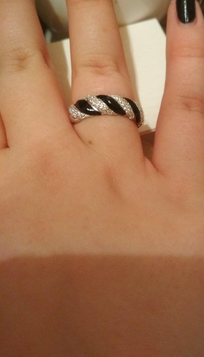 Отзыв. серебряное кольцо с фианитами и эмалью