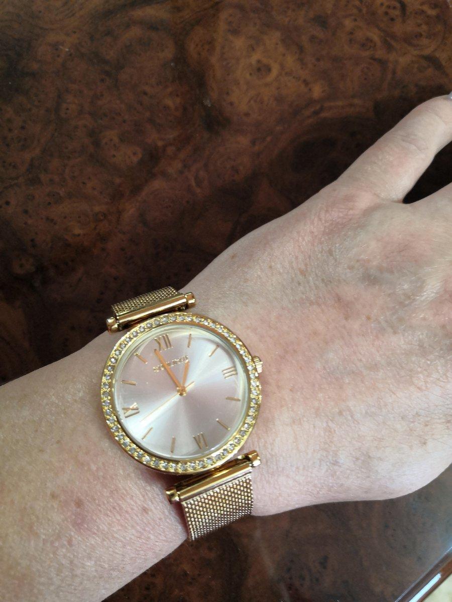 Часы очень красивые