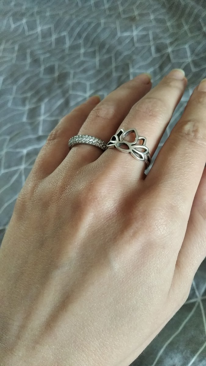 Кольцо в виде лотоса