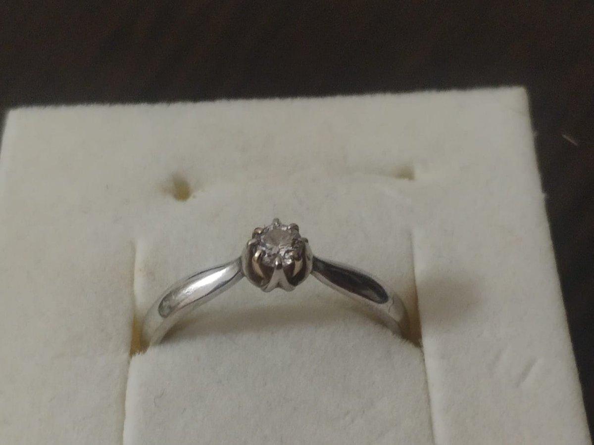 Шикарное кольцо с крупными камнем