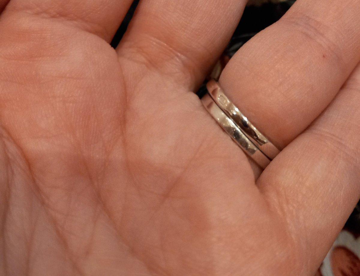 Кольцо с пятью фианитами
