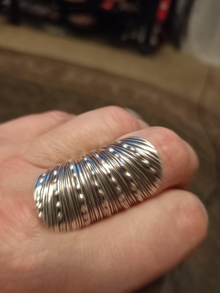 Серебряные кольцо