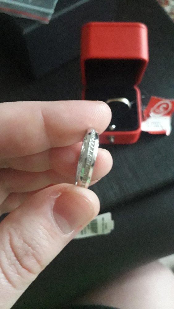 Красивое кольцо, привезли быстро.
