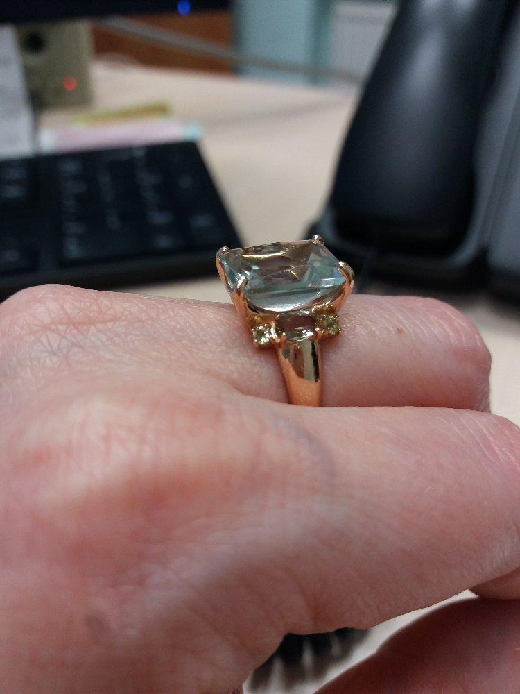 Прелестное кольцо с зеленым аметистом