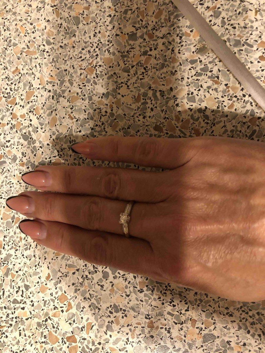 Кольцо купила в комплект ранее приобретенным серьгам.
