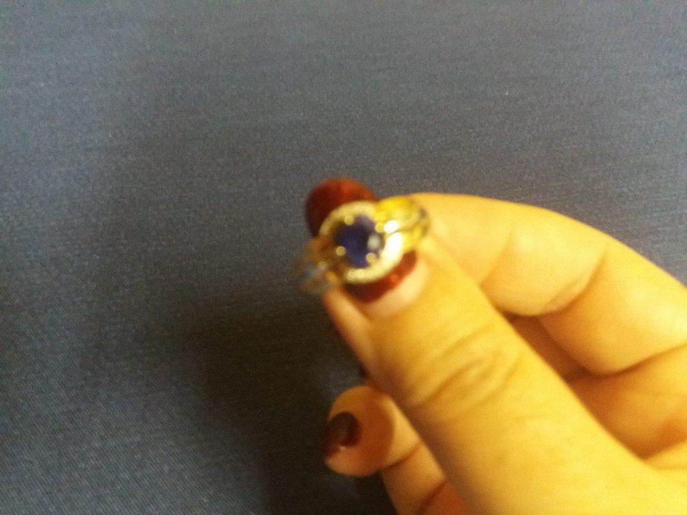 Кольцо с нано сапфиром и бриллиантами.