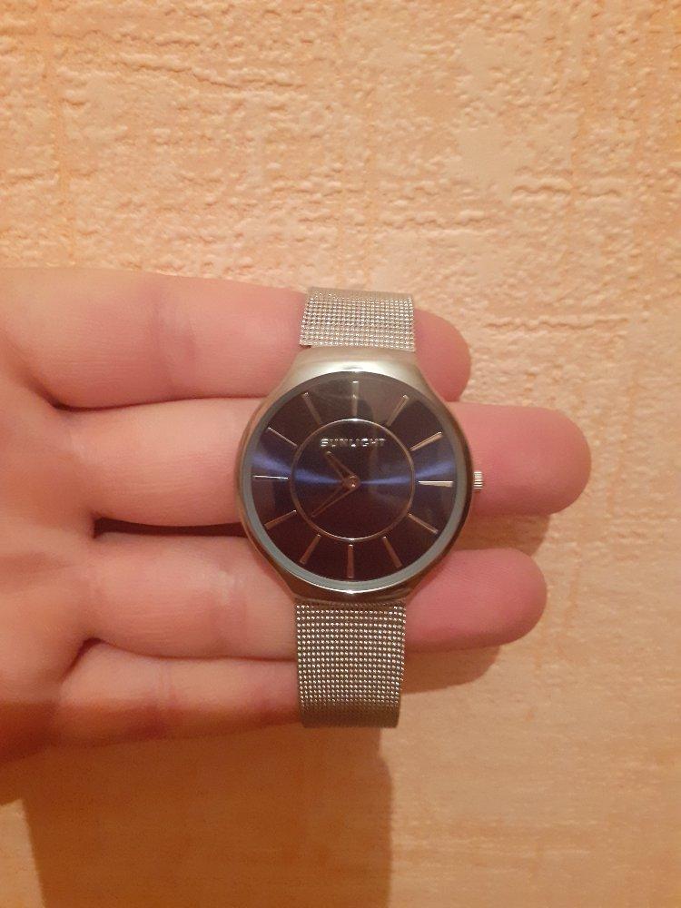 Класные часы стильные модные очень довольна
