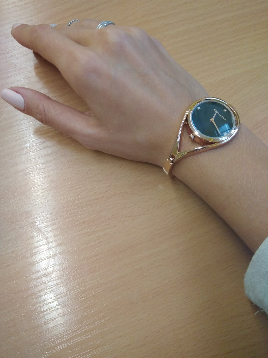 Красивые часы с фантазийным дизайном