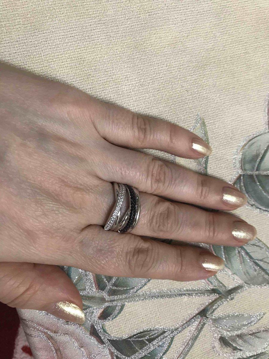 Серебрянное кольцо с черными и белыми фианитами