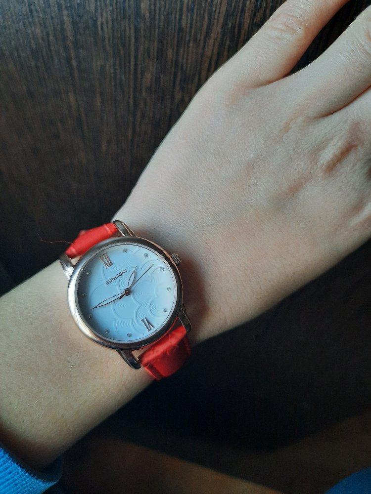 Хорошие яркие часы