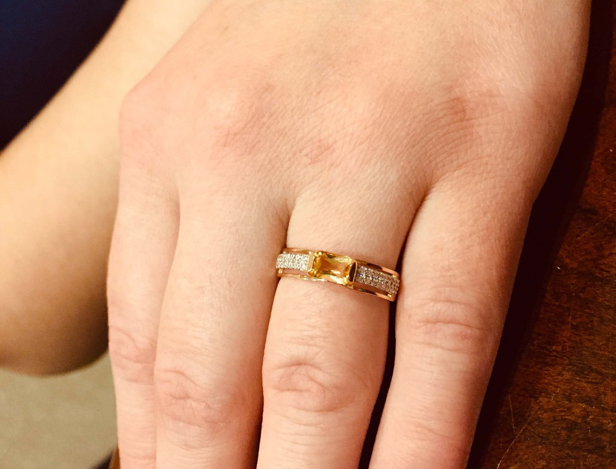 Очень нежное красивое колечко , подарок от любимого мужа 😍
