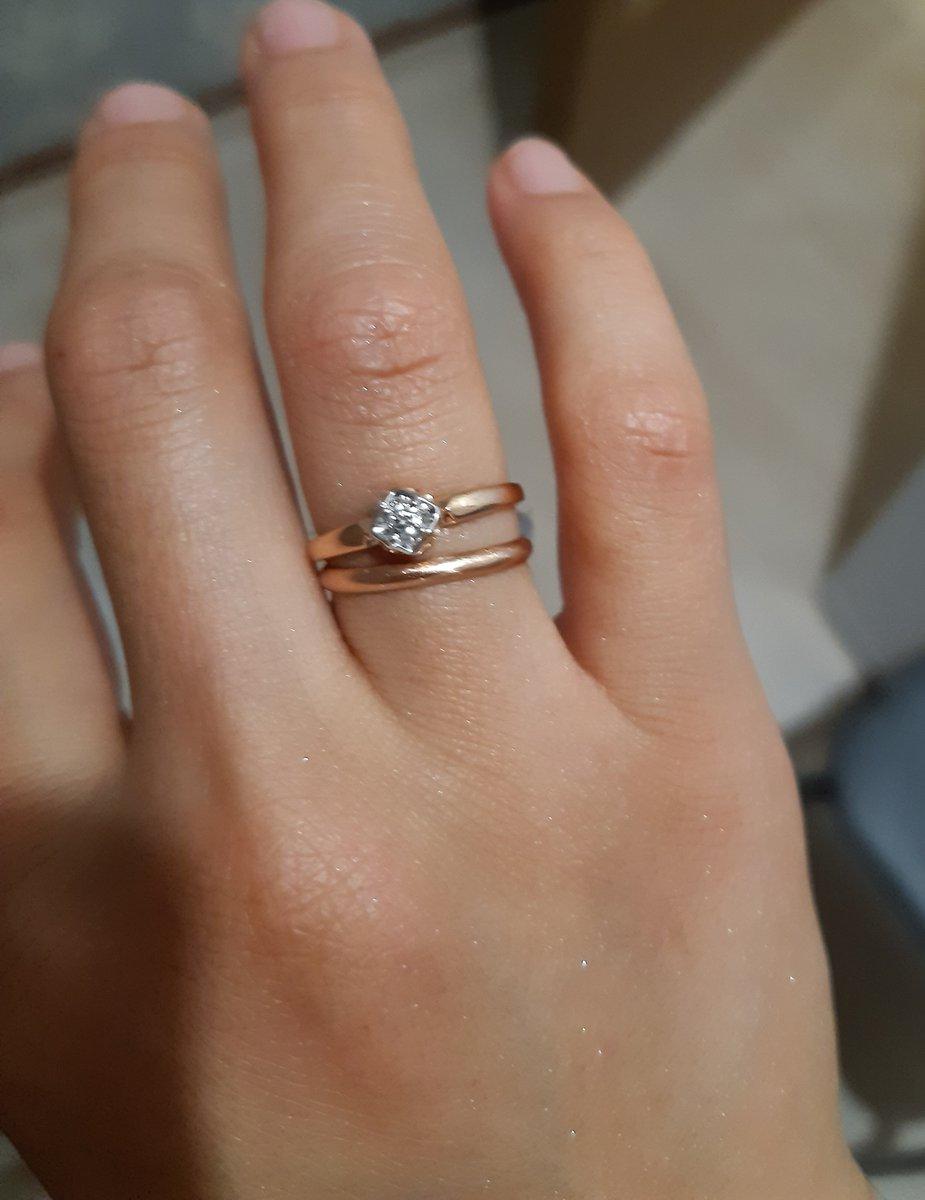 Прекрасное кольцо. сегодня купили. рада.