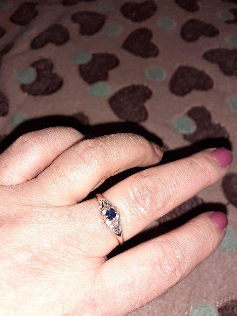 Кольцо отличное нашу уже 7 месяцев,камушки на месте не чего не выпола.
