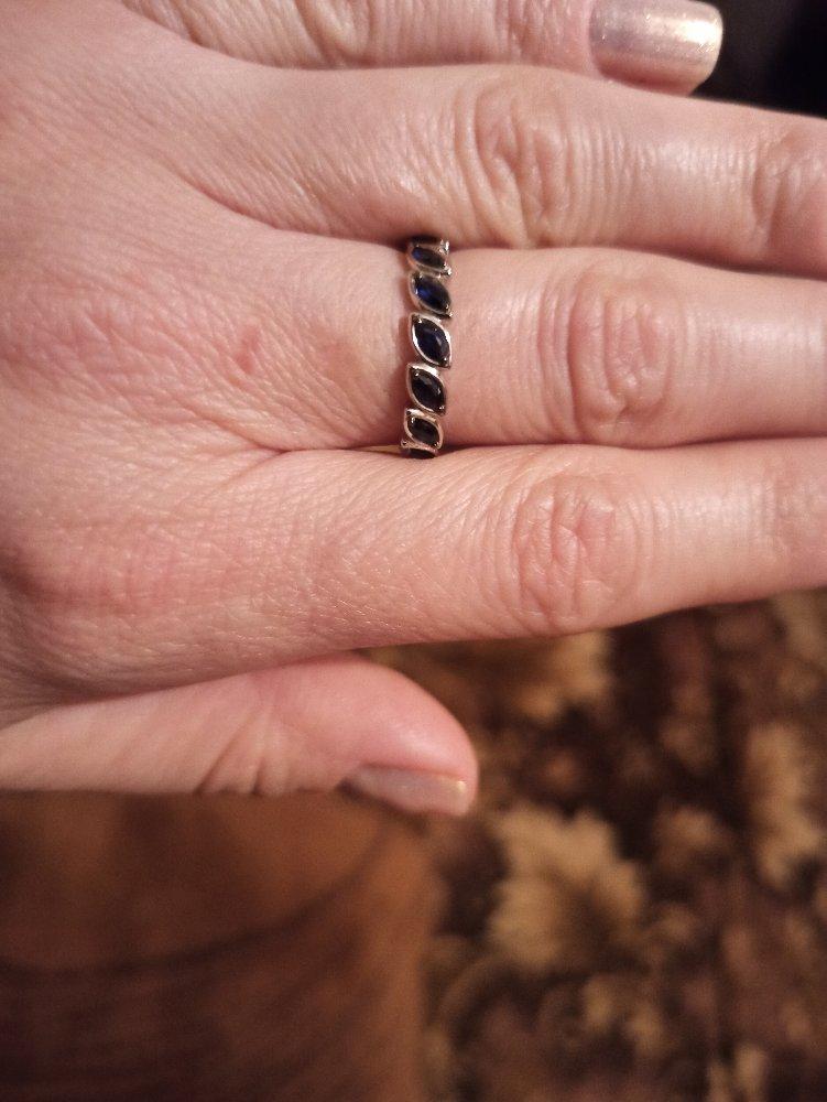 Красивое кольцо, очень понравилось.