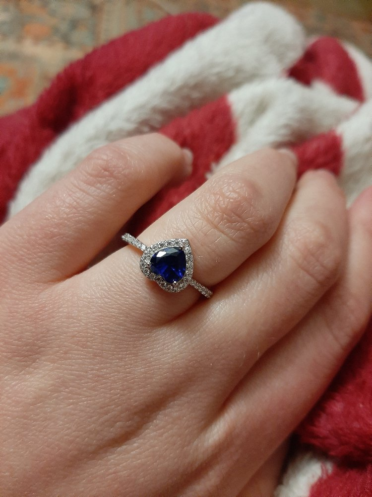 Прекрасное кольцо с синим сердцем😍💙