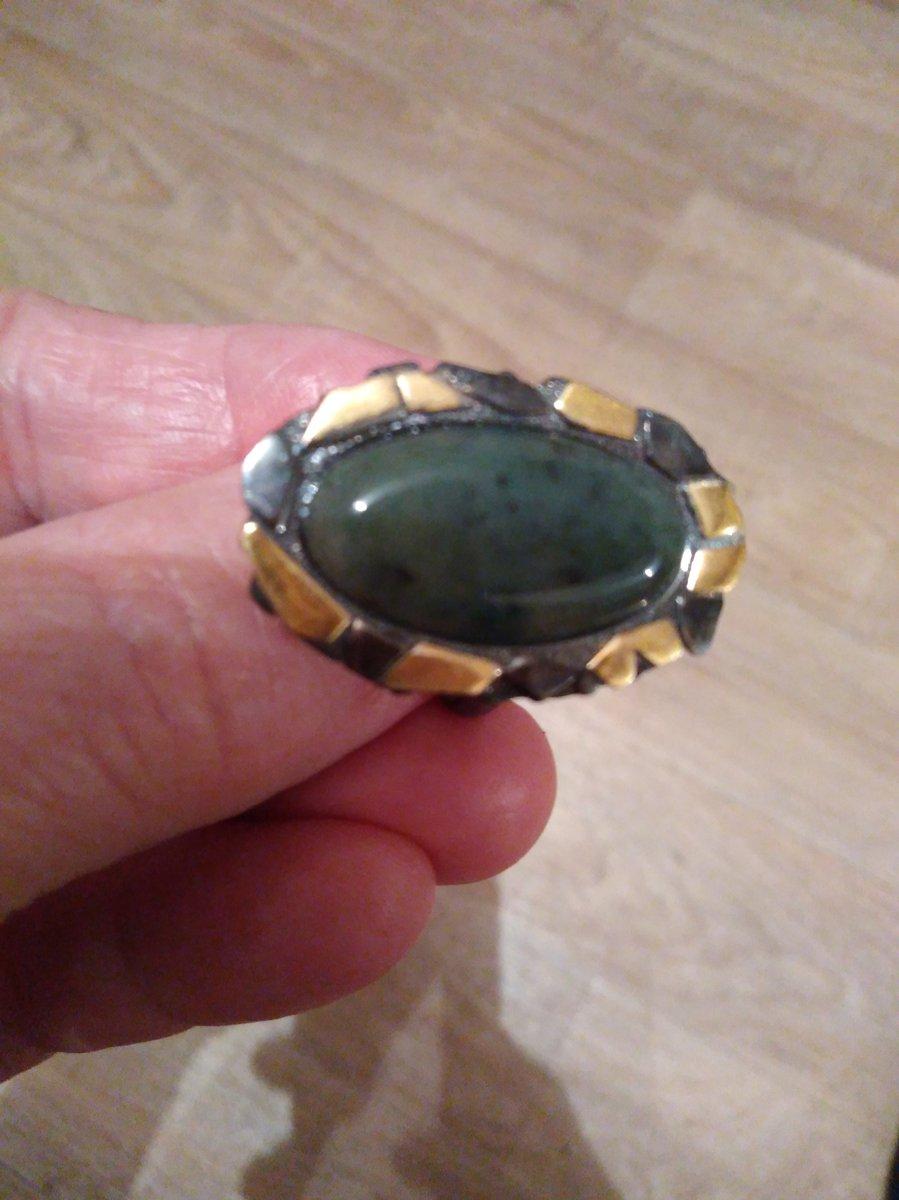 Кольцо с нефритом очень понравилось, правда камень темноват . спасибо.