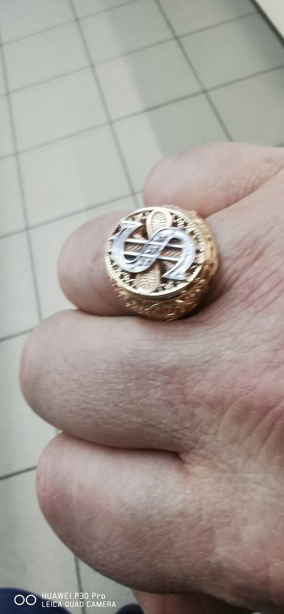 Перстень с изображением доллара