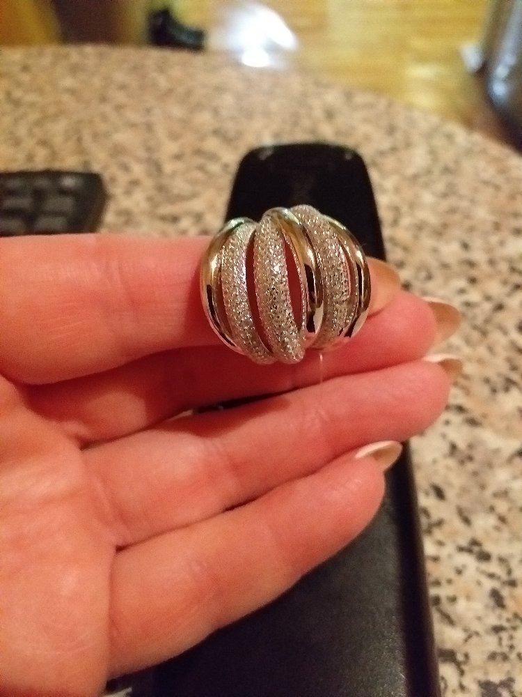 Крупное красивое кольцо!
