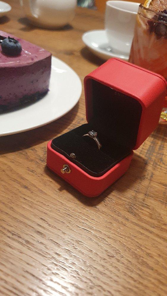 Кольцо девушке