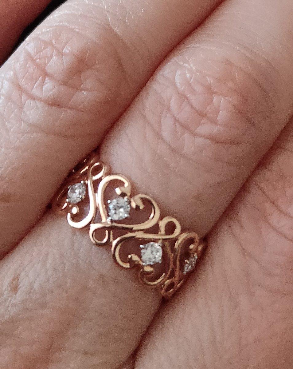 Золотое ажурное кольцо.
