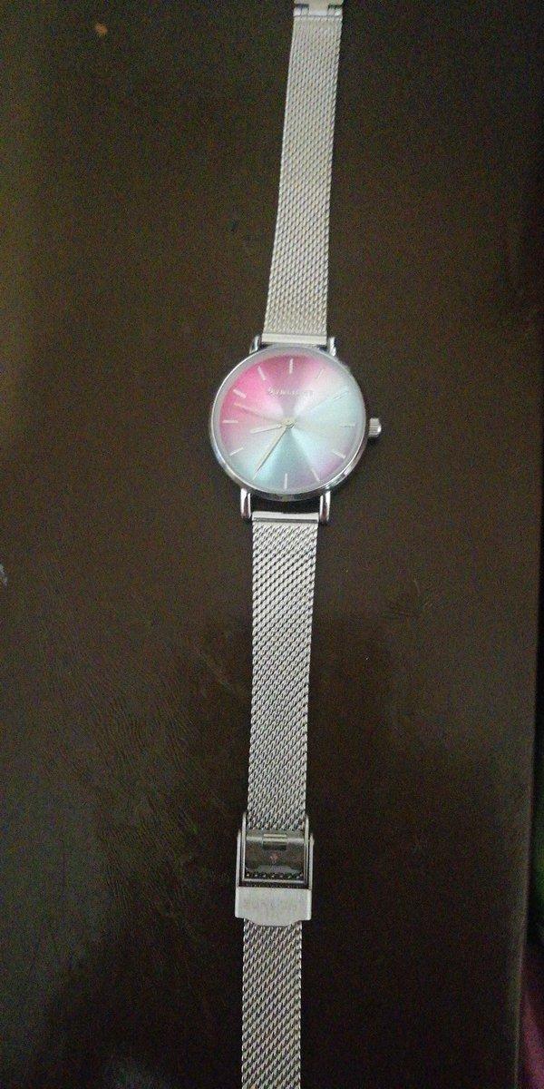 Часы с двуцветным экраном