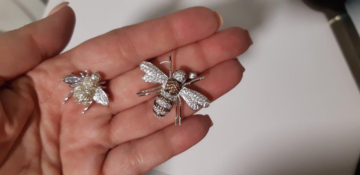 Брошь-пчелка