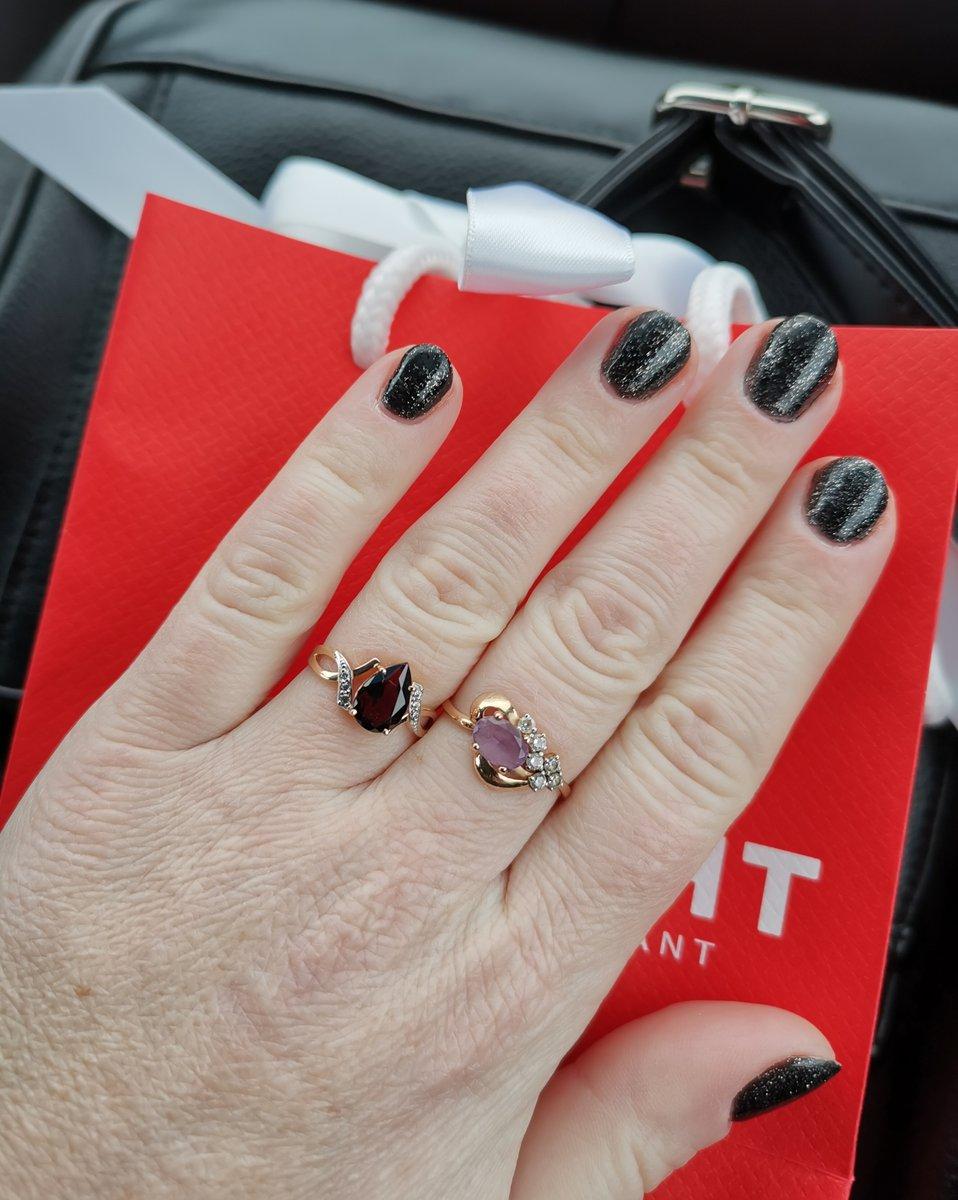 Кольцо с рубином и фианитами 🥰