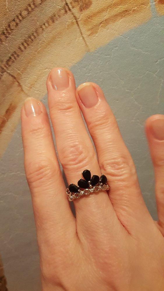 Эффектное кольцо с  чёрными фианитами