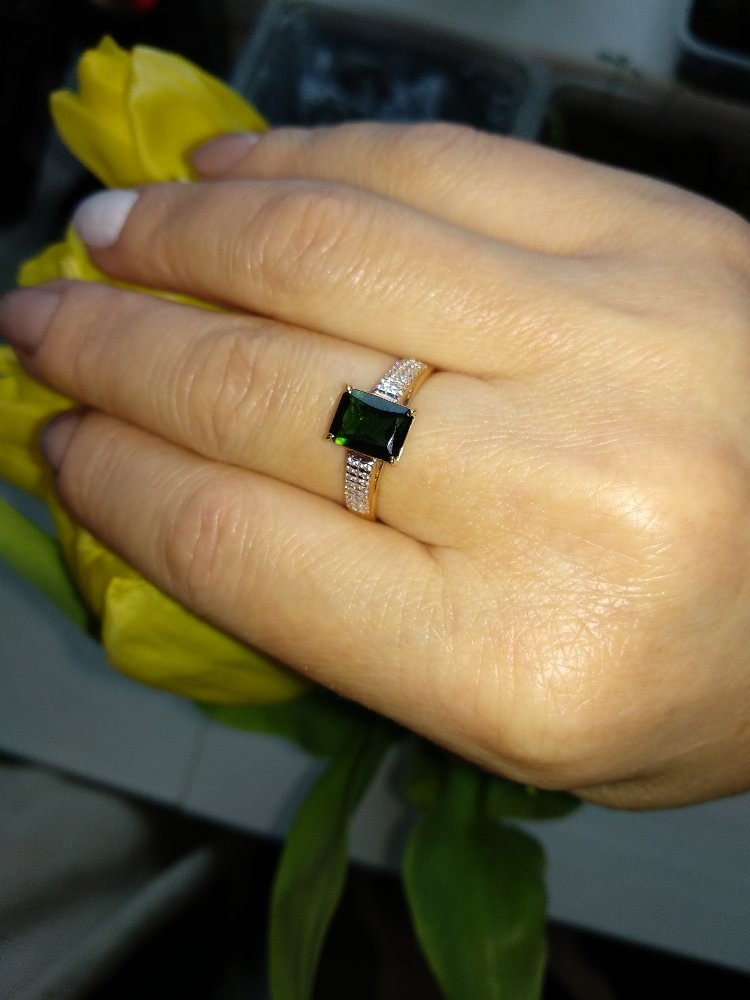 Золотое кольцо с турмалином и фианитами