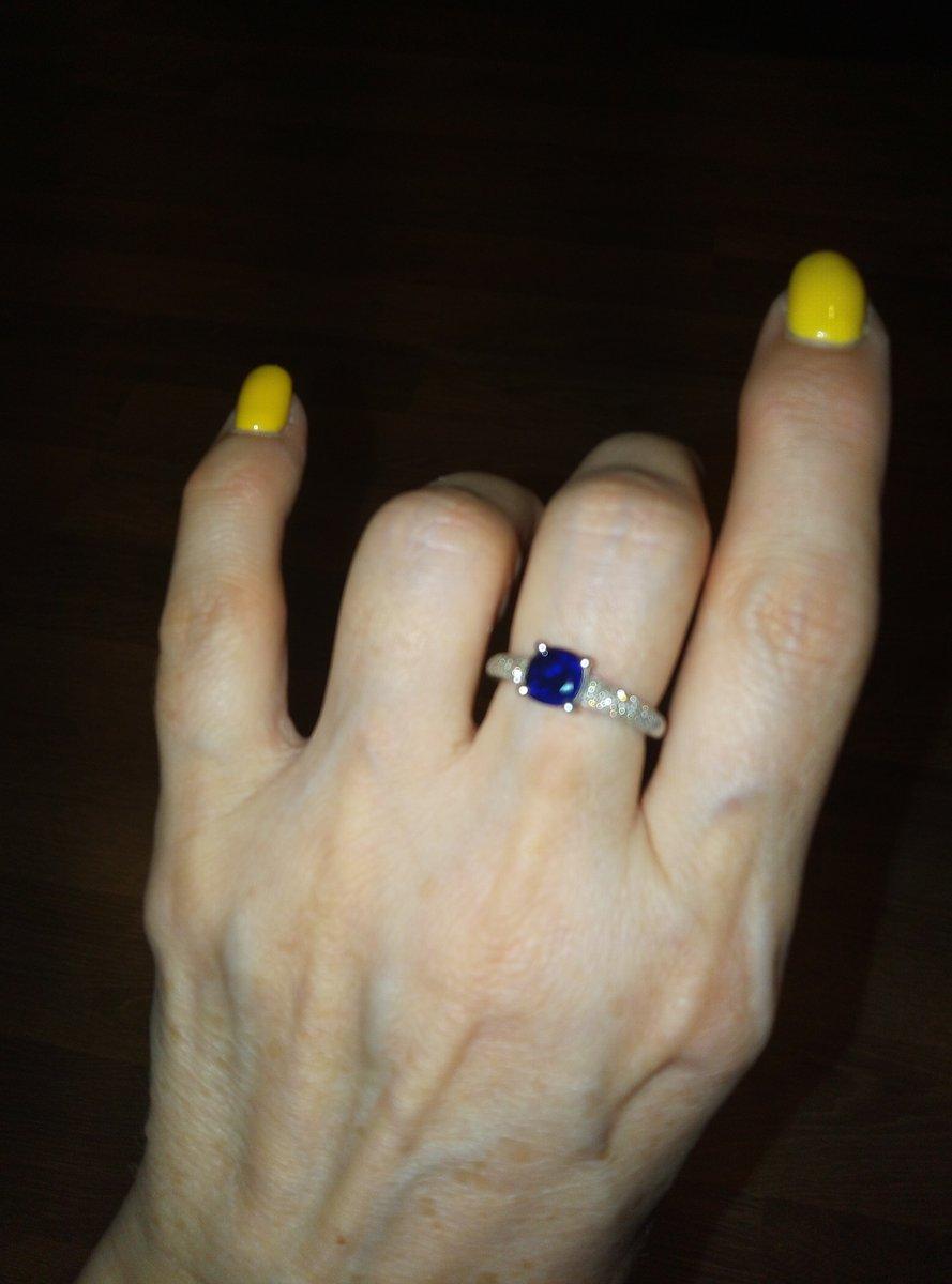 Кольцо с сапфиром и брильянтами