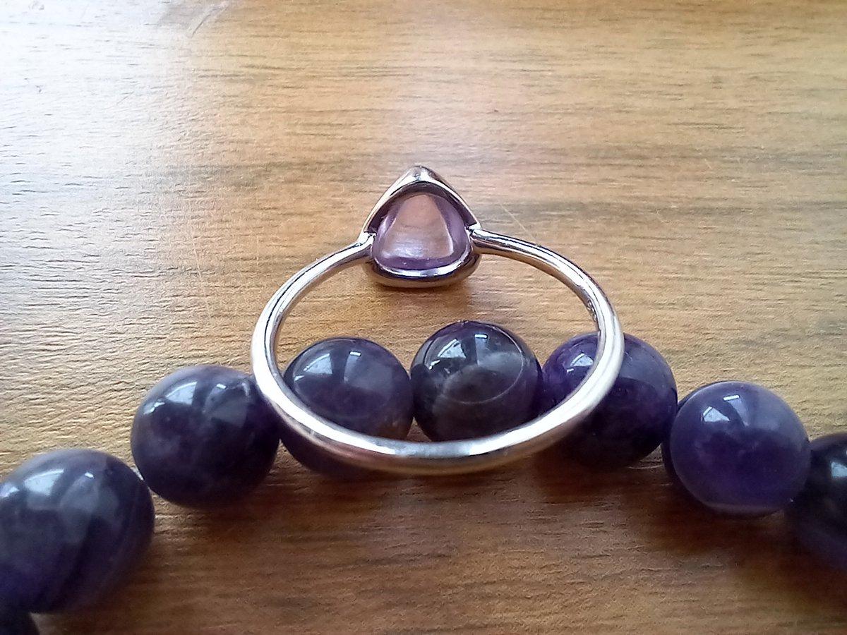 Прекрасное кольцо с аметистом нежно сиреневого цвета!!!